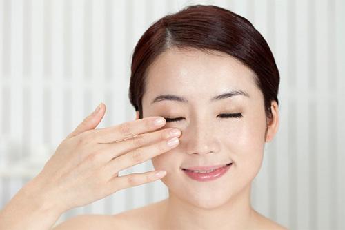 chăm sóc da mắt